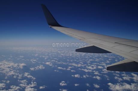 青い空と雲の写真素材 [FYI01263550]