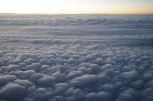 雲のじゅうたんの写真素材 [FYI01263552]