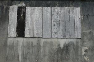 色あせた木の壁の写真素材 [FYI01263936]