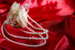 真珠のネックレスの写真素材 [FYI01264217]