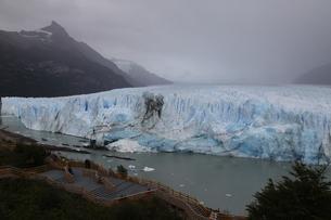 ペリト・モレノ氷河の写真素材 [FYI01264231]