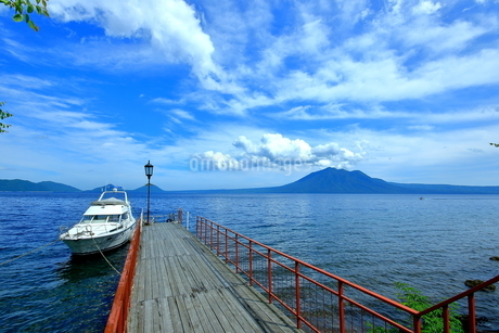支笏湖の風景の写真素材 [FYI01264433]