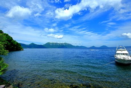 支笏湖の風景の写真素材 [FYI01264435]