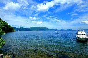 支笏湖の風景の写真素材 [FYI01264436]