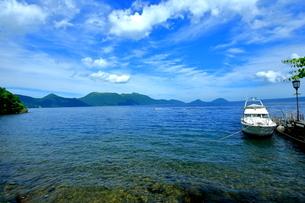 支笏湖の風景の写真素材 [FYI01264437]