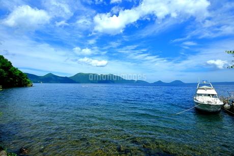 支笏湖の風景の写真素材 [FYI01264439]