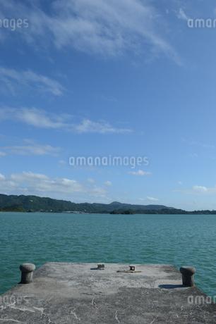 内海の古い桟橋の写真素材 [FYI01264627]