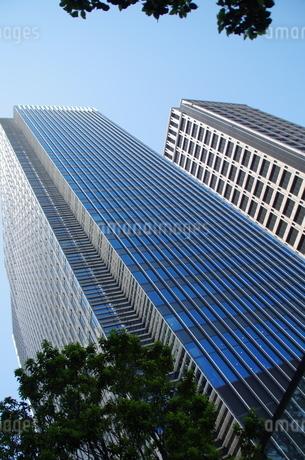 日本橋高層ビル群と青空の写真素材 [FYI01264699]