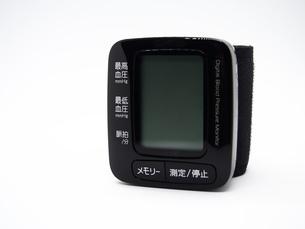 手首式血圧計の写真素材 [FYI01264723]