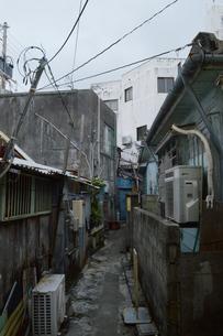アジアの古い路地裏の写真素材 [FYI01264739]