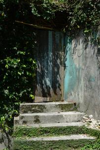 古い建物の入り口の写真素材 [FYI01264746]