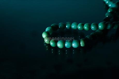 ヒスイのネックレスの写真素材 [FYI01264768]