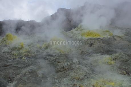 川湯硫黄山の写真素材 [FYI01264792]