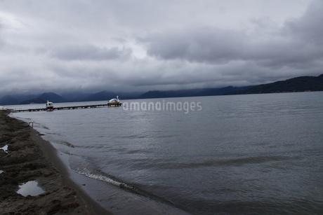屈斜路湖 砂湯の写真素材 [FYI01264797]
