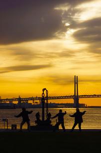 早朝の体操イメージの写真素材 [FYI01265150]