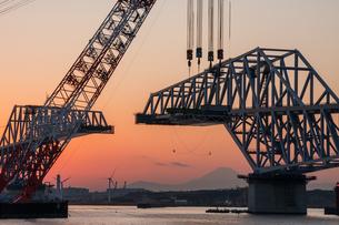 東京ゲートブリッジ(建設中)の写真素材 [FYI01265221]