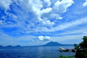 北海道支笏湖の春の風景の写真素材 [FYI01265268]