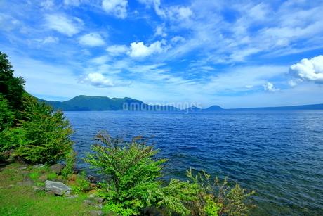 北海道支笏湖の春の風景の写真素材 [FYI01265273]