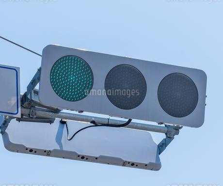 信号機の写真素材 [FYI01265479]
