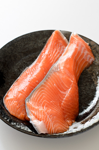 銀鮭 切身の写真素材 [FYI01265682]