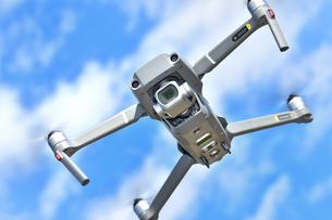 空撮専用の小型ドローンの写真素材 [FYI01265726]