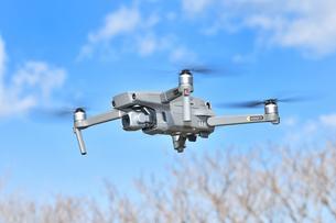 空撮専用の小型ドローンの写真素材 [FYI01265727]
