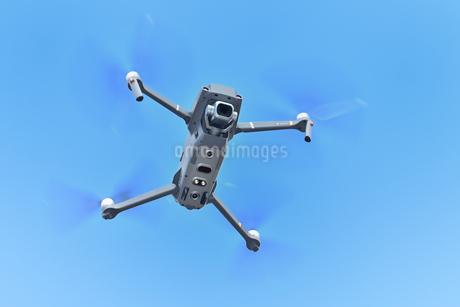空撮専用の小型ドローンの写真素材 [FYI01265728]