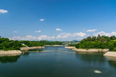 三春ダムと春日大橋の写真素材 [FYI01265917]
