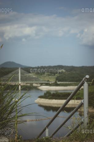 三春ダムと春日大橋の写真素材 [FYI01265928]