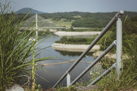 三春ダムと春日大橋の写真素材 [FYI01265929]