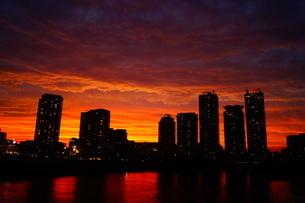 夕暮れの都市の写真素材 [FYI01266075]