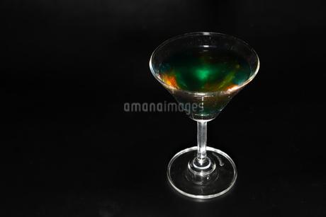 グラスの中の液体の写真素材 [FYI01266109]