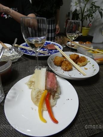 鶏肉と漬物などの写真素材 [FYI01266428]
