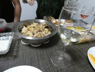 ワインと鶏肉の写真素材 [FYI01266429]
