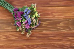 スターチスの花束の写真素材 [FYI01266556]