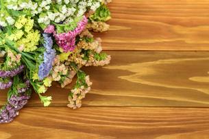 スターチスの花束の写真素材 [FYI01266558]
