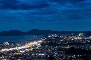 愛宕山展望台夜景の写真素材 [FYI01266590]