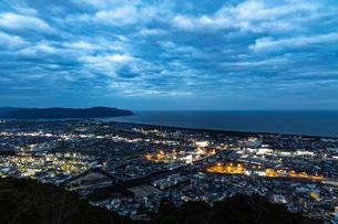 愛宕山展望台夜景の写真素材 [FYI01266591]