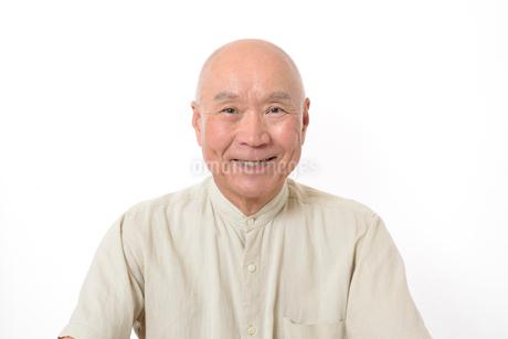 笑顔のシニア男性の写真素材 [FYI01266618]