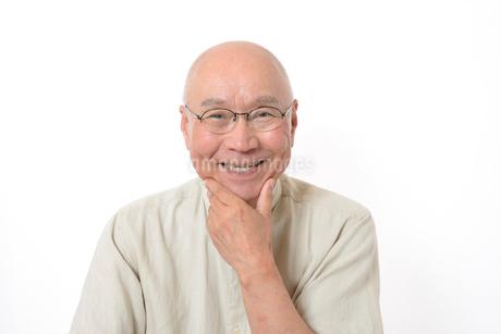 笑顔のシニア男性の写真素材 [FYI01266622]