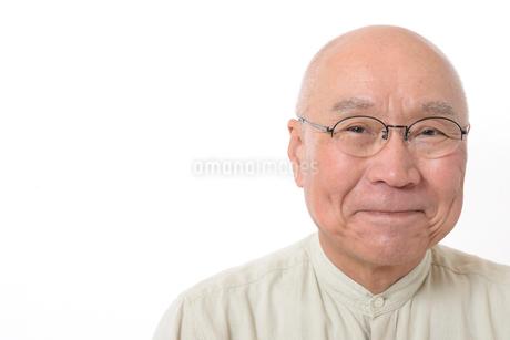 笑顔のシニア男性の写真素材 [FYI01266625]