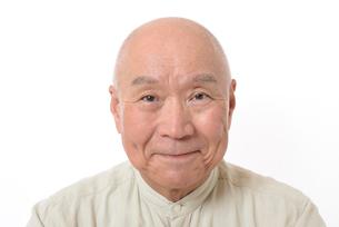 笑顔のシニア男性の写真素材 [FYI01266628]