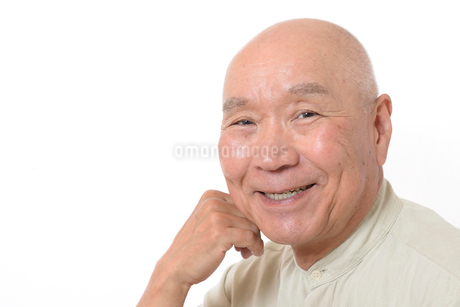 笑顔のシニア男性の写真素材 [FYI01266629]