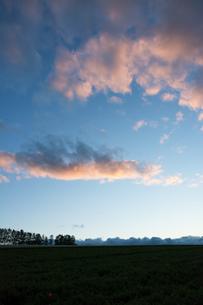 夕暮れの空 美瑛町の写真素材 [FYI01267327]