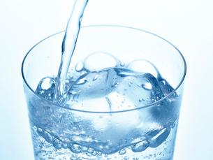氷とグラスの写真素材 [FYI01267603]