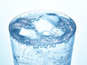 氷とグラスの写真素材 [FYI01267606]