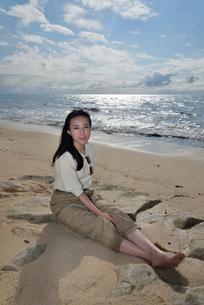 宮古島/ビーチでポートレート撮影の写真素材 [FYI01267706]