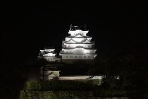 夜の姫路城の写真素材 [FYI01268000]