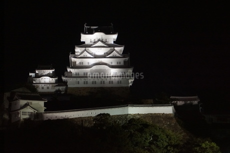 夜の姫路城の写真素材 [FYI01268004]