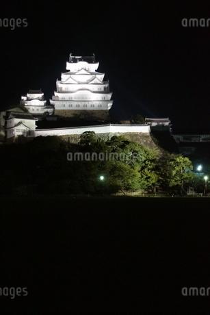 夜の姫路城の写真素材 [FYI01268005]